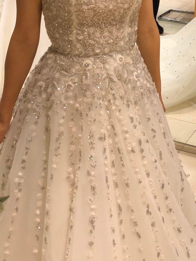 ビジューキラキラで心踊るドレス