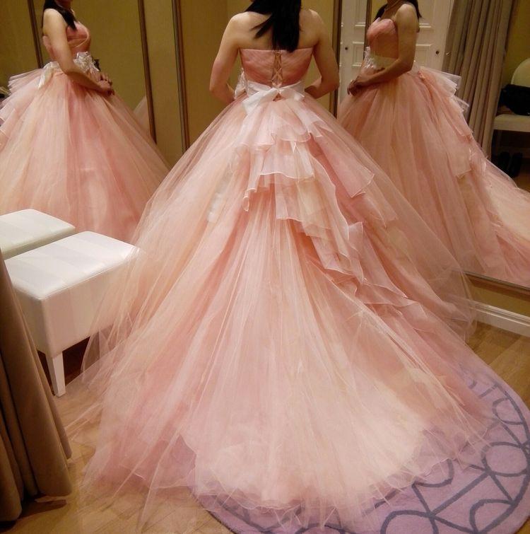 ふんわりと可愛らしいドレス