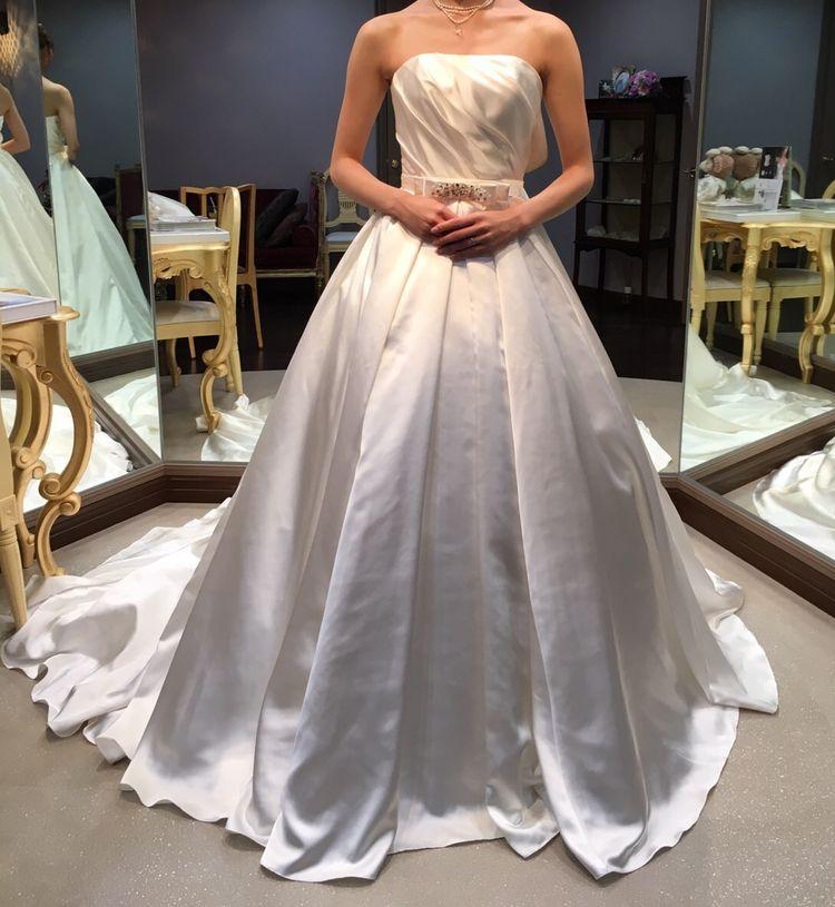 シンプルで綺麗!これこそ上品ドレス!