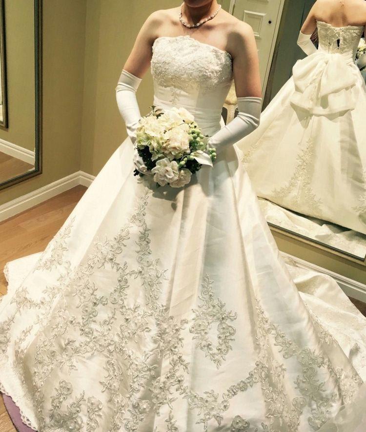 チュールで雰囲気がかわるドレス