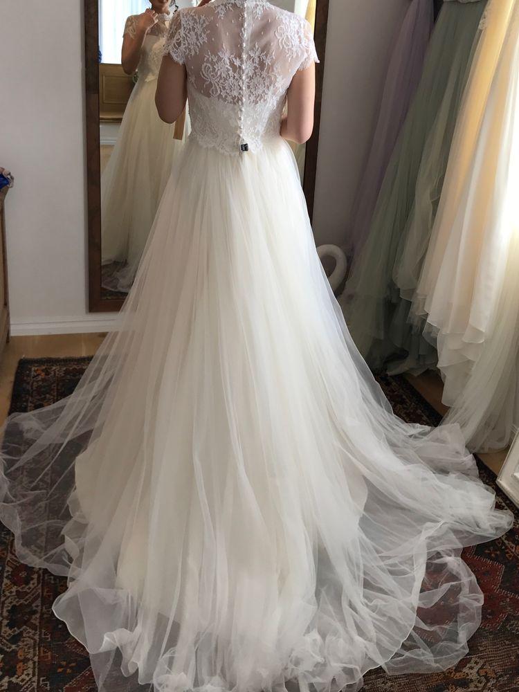 白レースウエディングドレス(袖あり)