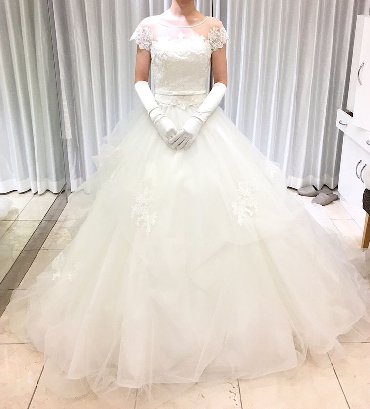 刺繍のボレロが上品なドレス