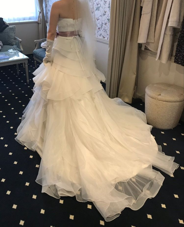 とてもかわいらしいドレスです。