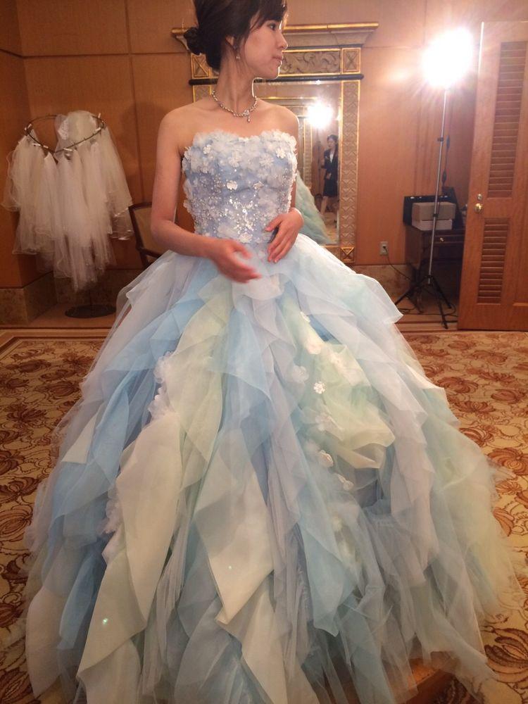 水色華やかドレス