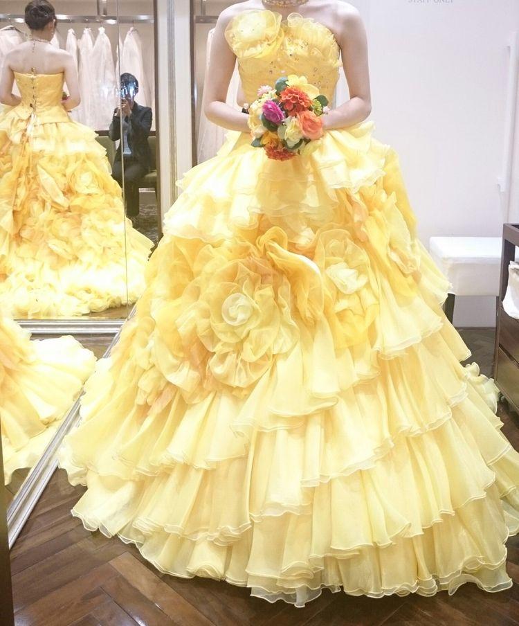 イエローフリルのカラードレス