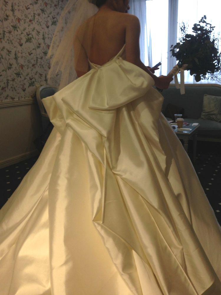 デザイン、ボリュームの満点ドレス!