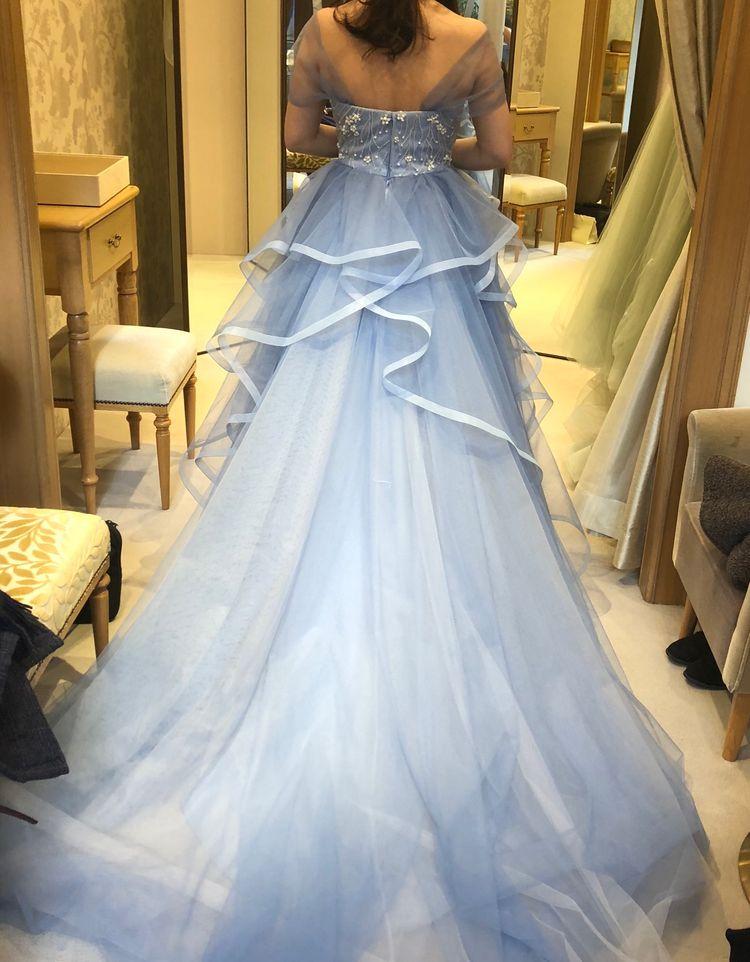 爽やかかつ可愛らしいカラードレス