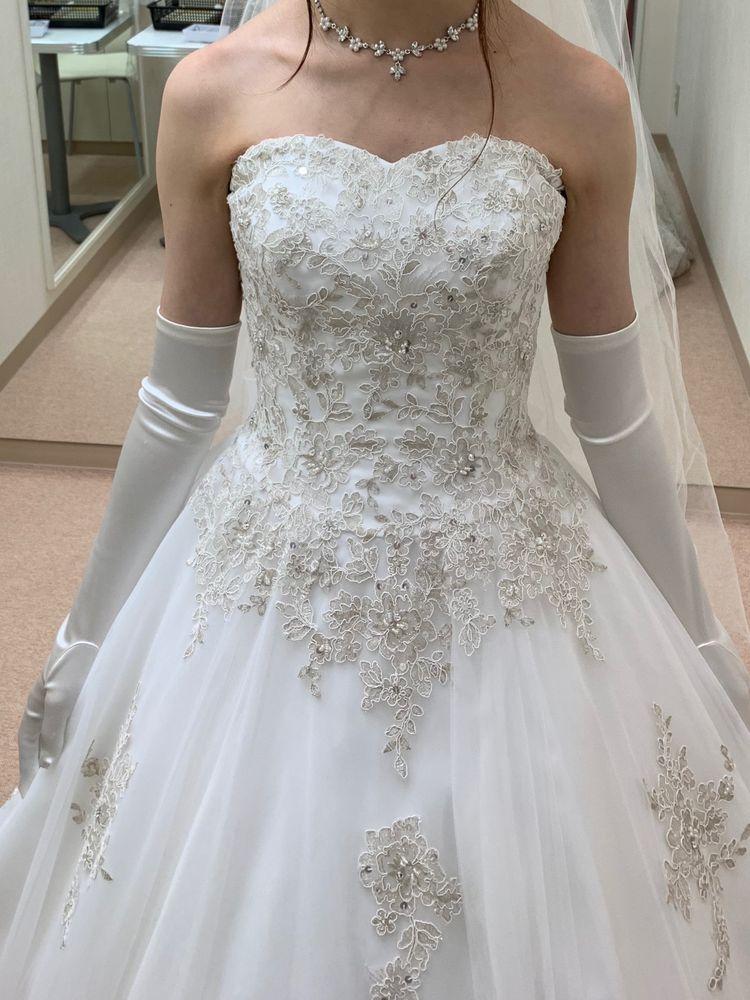 白だけじゃないウェディングドレス
