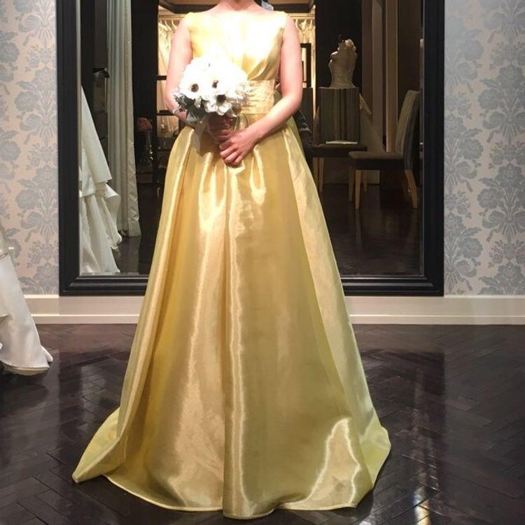 プリンセスラインのイエローカラードレス