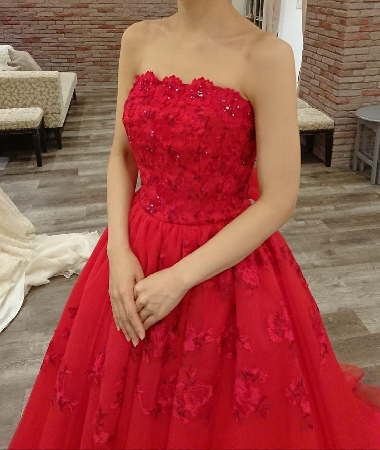 赤のカラードレス