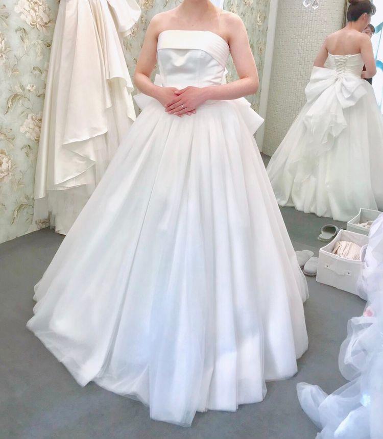 シンプルなプリンセスドレス