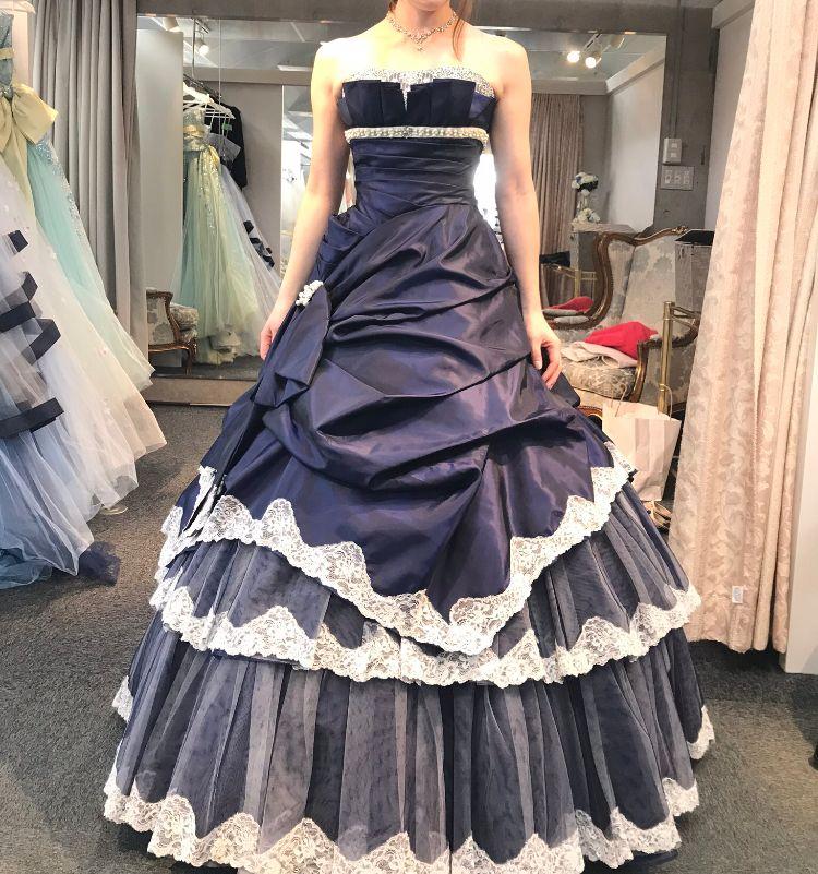 大人っぽく見えるドレス