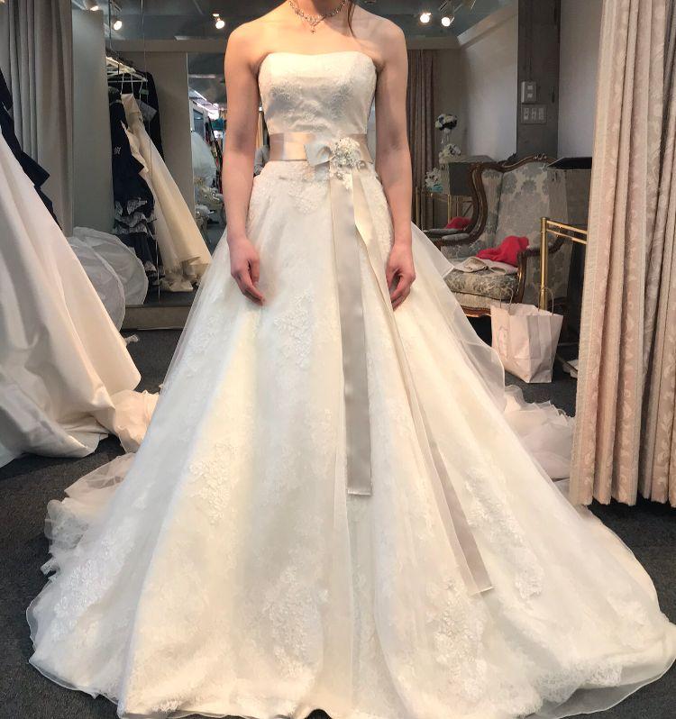 サッシュベルトのドレス