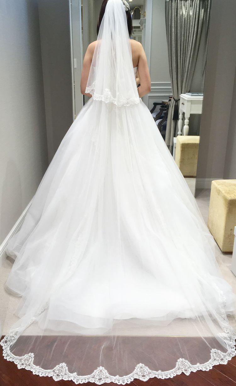 シンプルなAラインのドレスです
