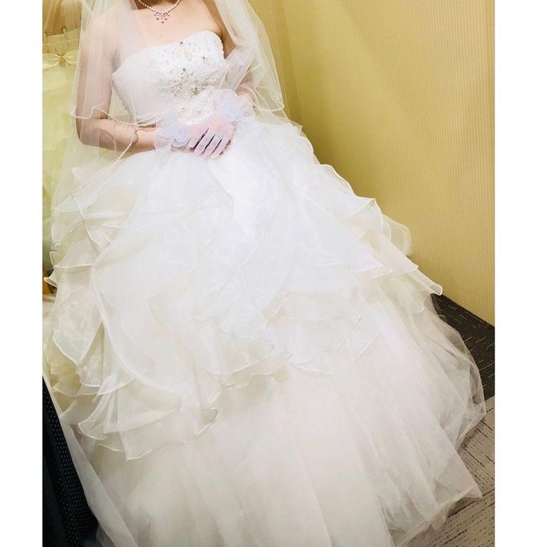 吉川ひなのさんデザインのドレス