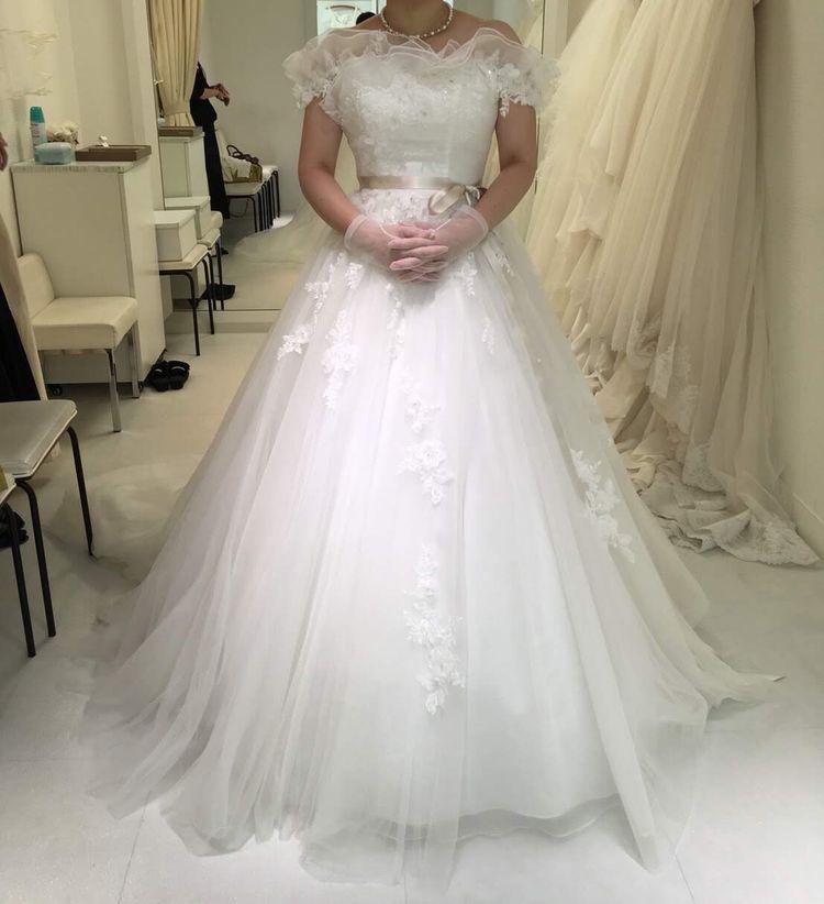 胸元がふんわりとしたドレス