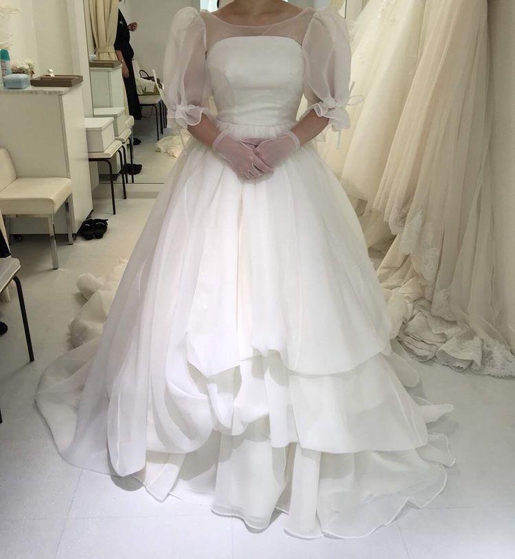 チュールのパフスリーブドレス