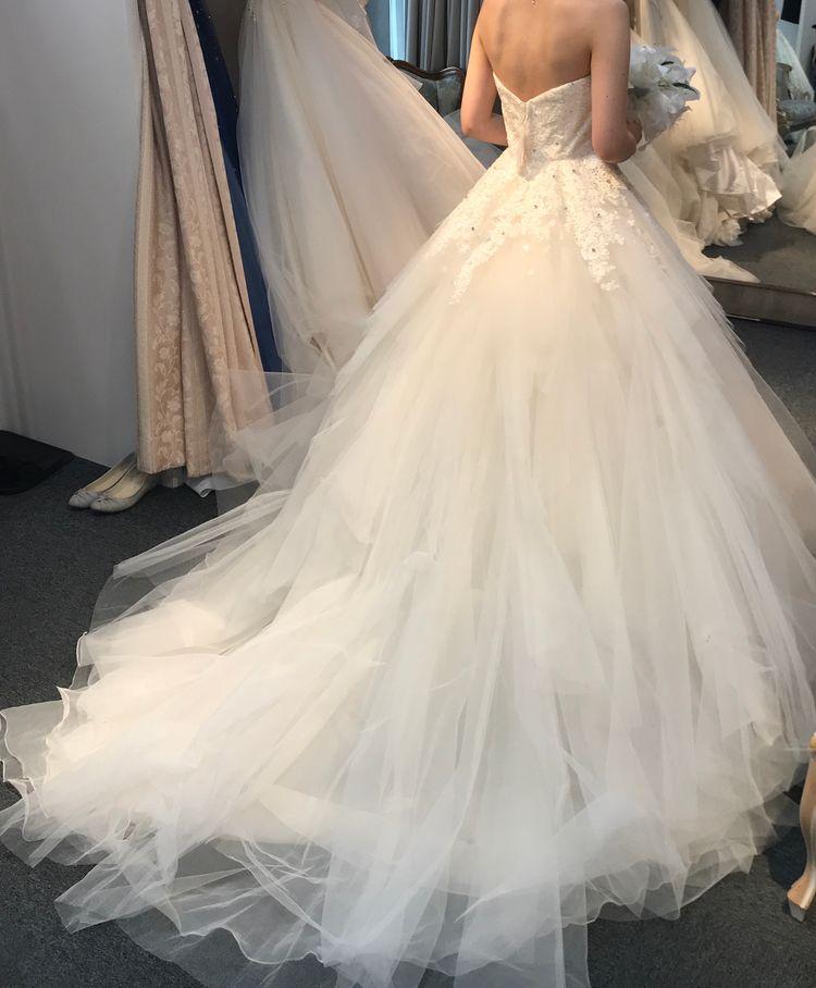 チュールのウェディングドレス