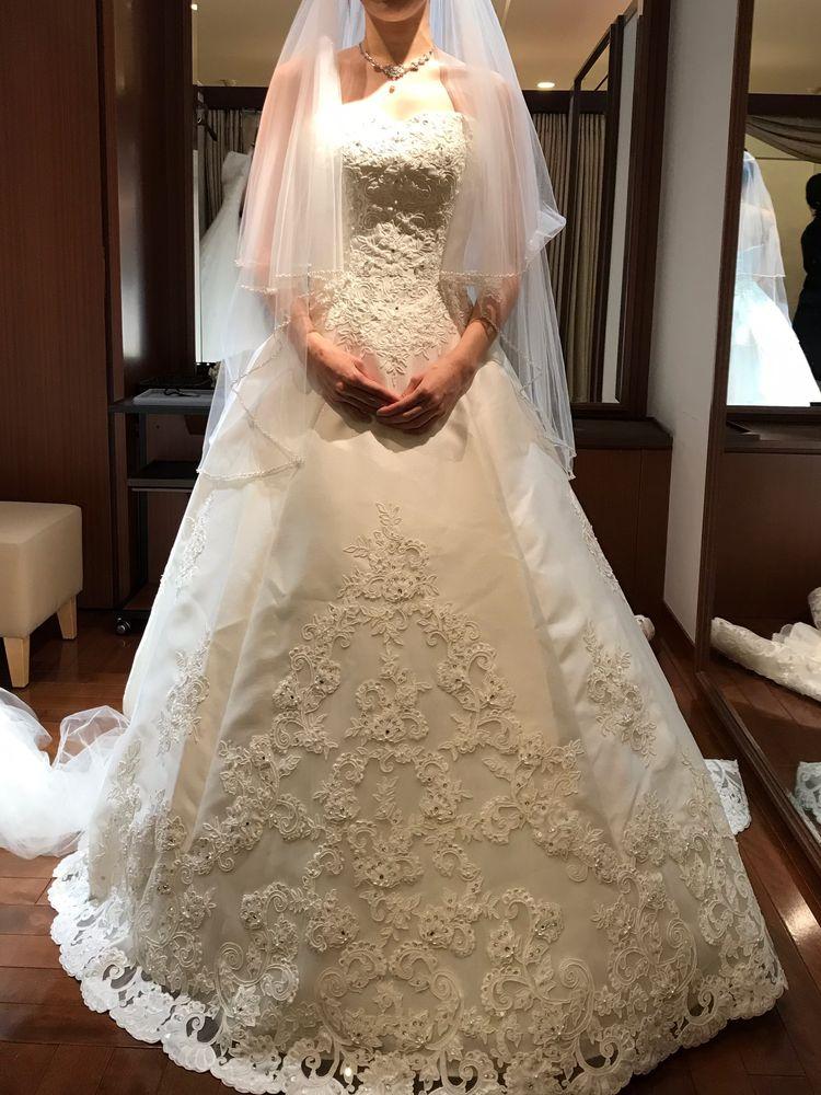 豪華なドレス