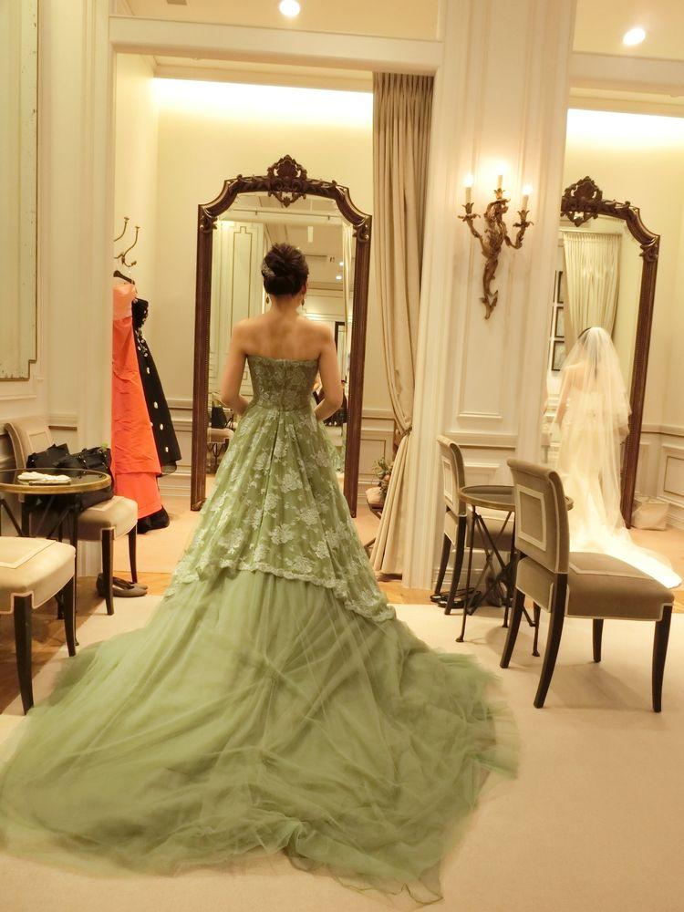 刺繍の可愛いナチュラルドレス