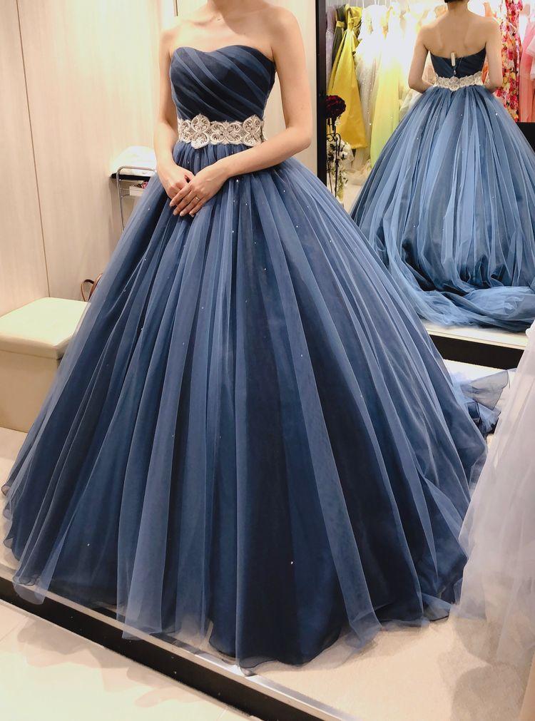 大人っぽいグラデーションのカラードレス