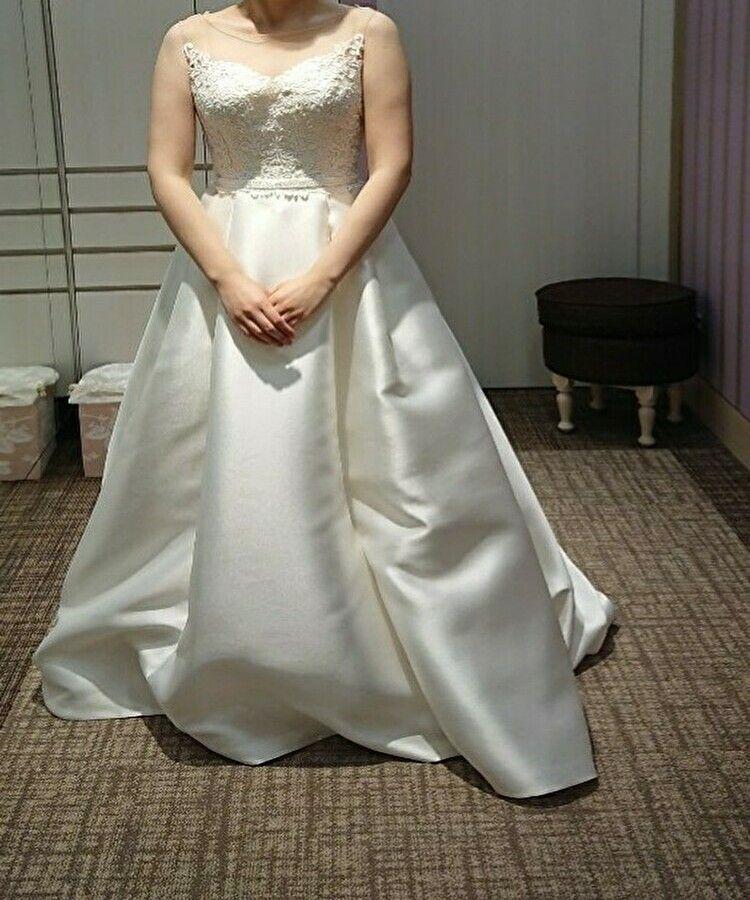 クラシカルで上品なドレス