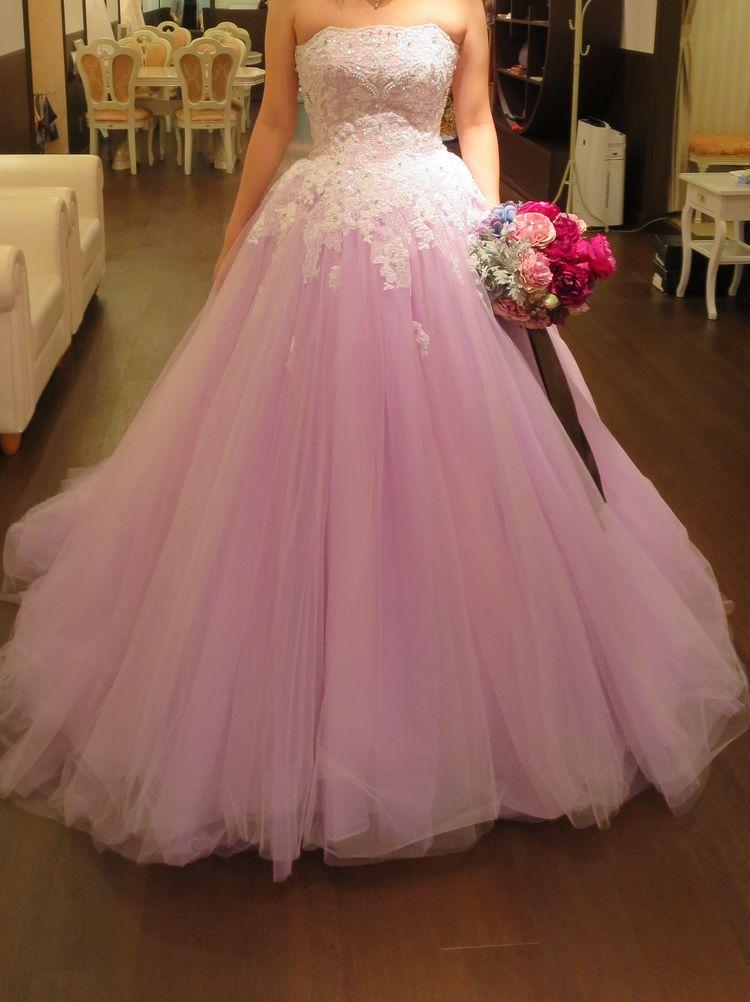 ピンクのお花のようなドレス