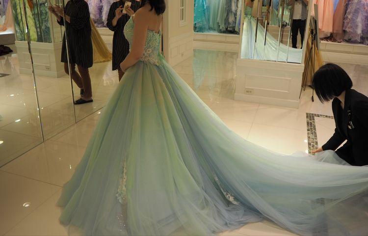 青と緑のグラデーションドレス