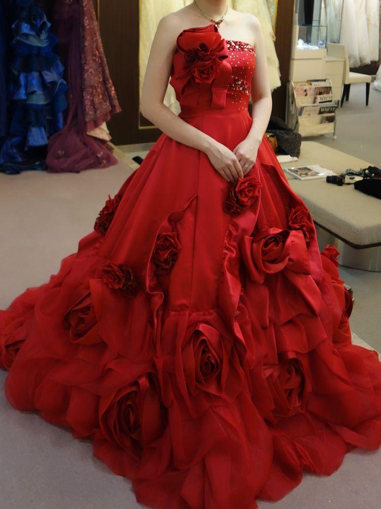 深紅のドレス