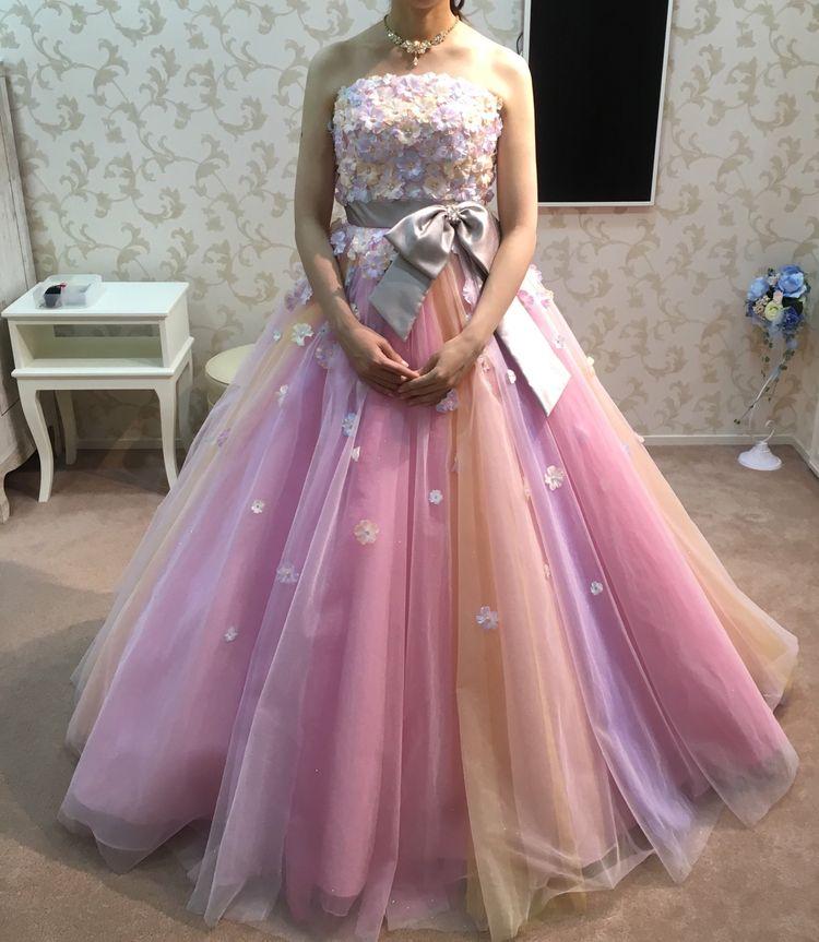 お花とミックスカラーのかわいいドレス