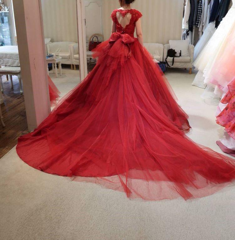 可愛い赤のドレス