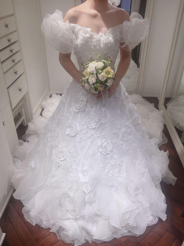 桂由美さんのゴージャスなドレス