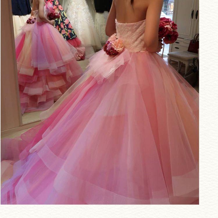 ピンクグラデーションふんわり可愛いドレス