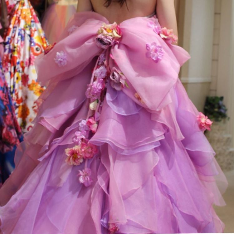 ピンクと紫のフリルドレス