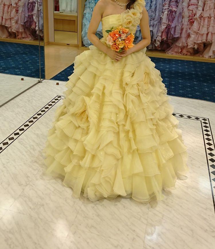 黄色いカラードレス