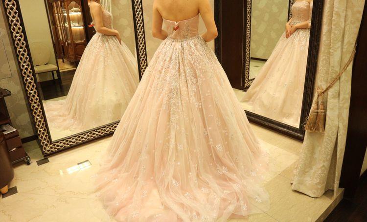 お姫様みたいなピンクのドレス