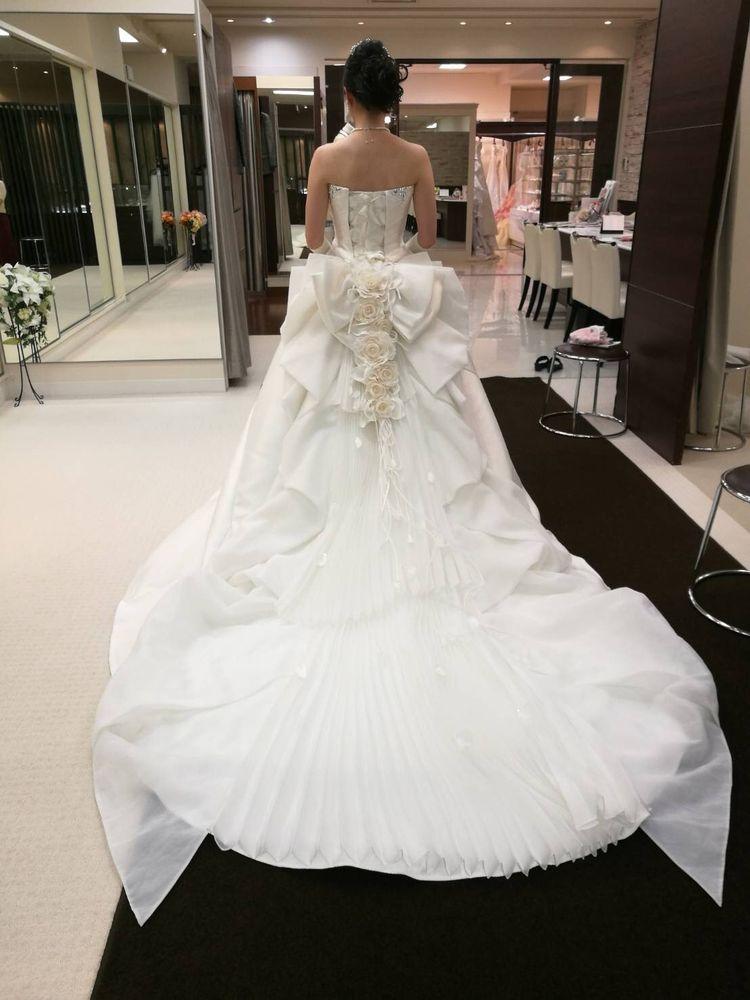 バラのウェディングドレス
