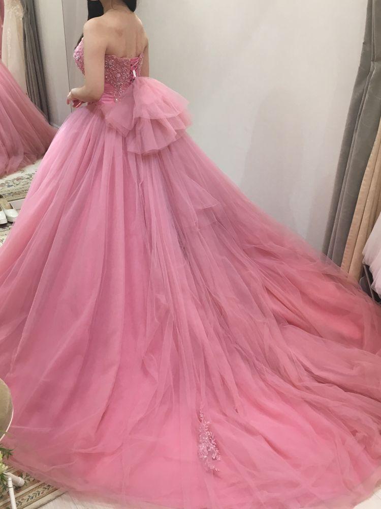 人気の芍薬ドレスに近いピンク色です。