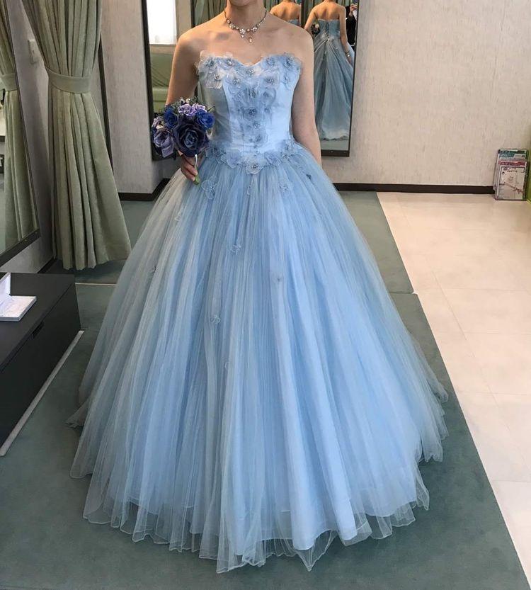 ブルーのカラードレス