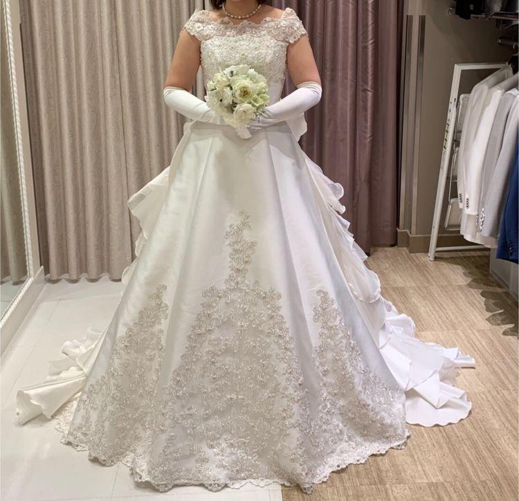 半袖タイプのキュートなドレス