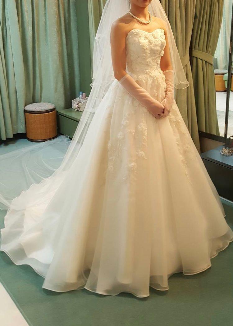 上品で可愛らしいドレス