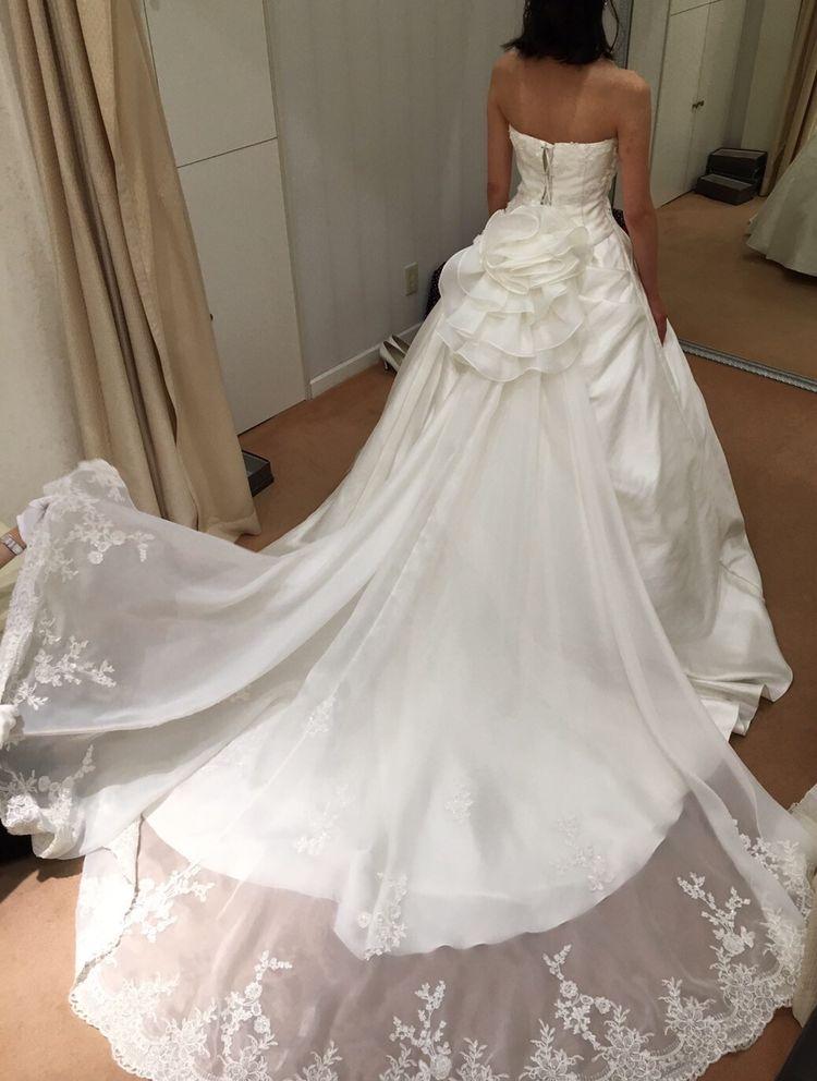 とってもシンプルなドレス