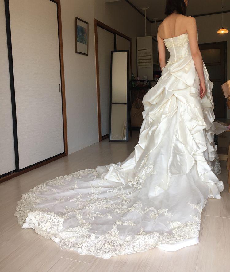 華やかさのあるドレス