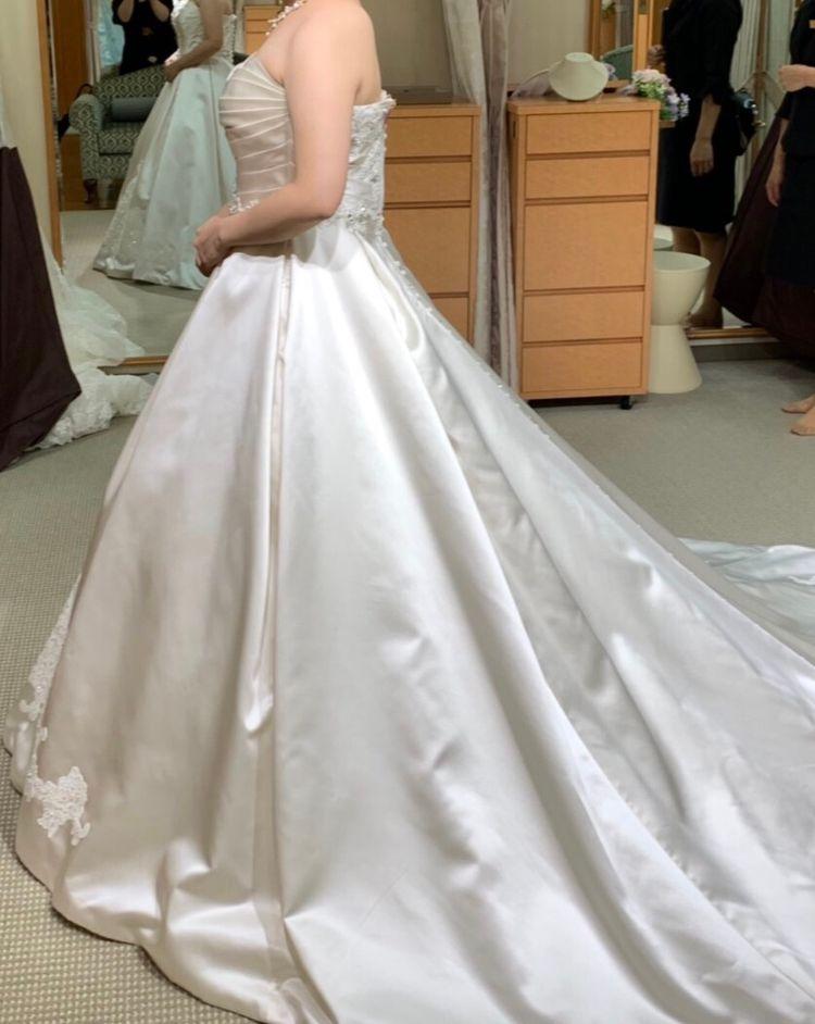 クラシカルな上品なドレス