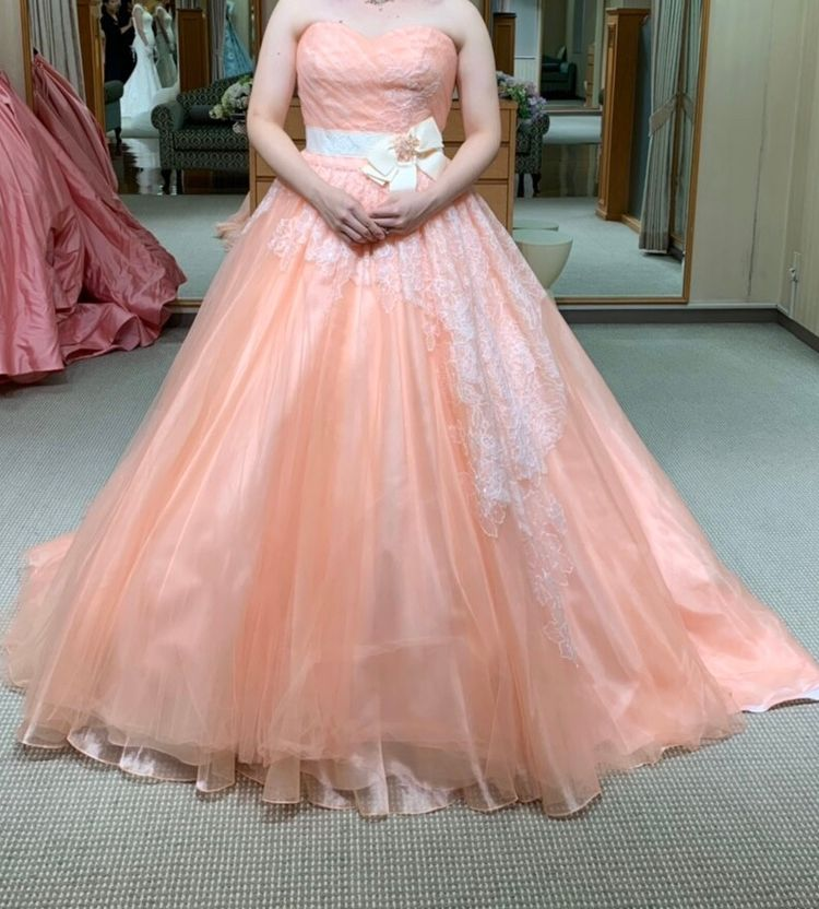 シャーベットカラーの可愛いドレス