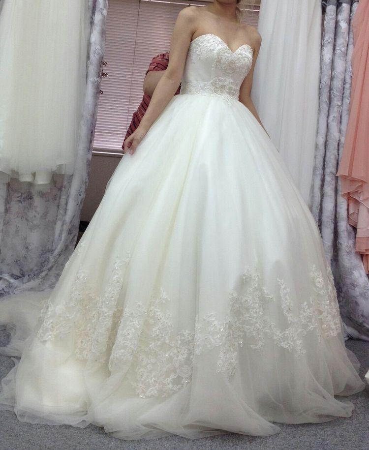 ハートネックビスチェタイプのウエディングドレス♪