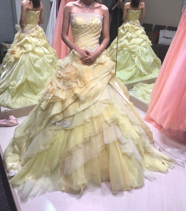 お姫様みたいな黄色のドレス