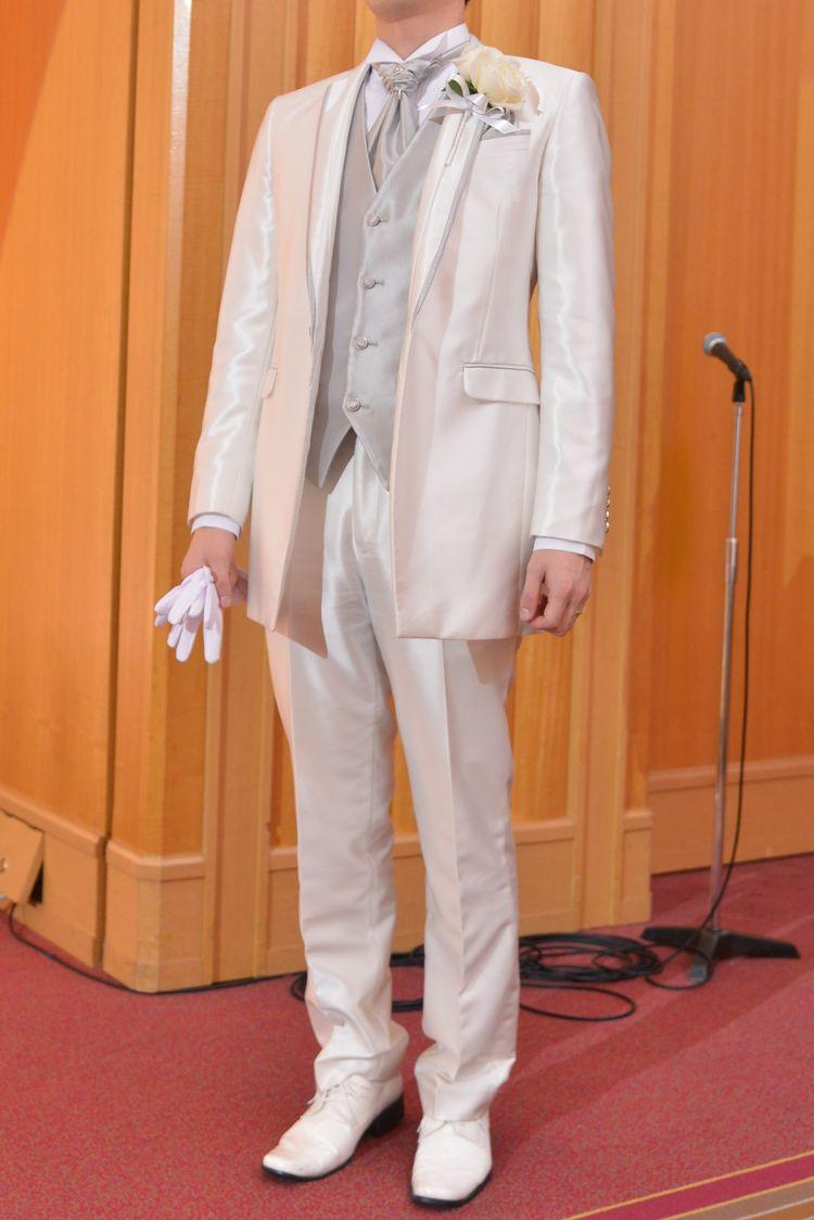 結婚式だからこそ「純白」で統一したい男性衣装」私の中で結婚式