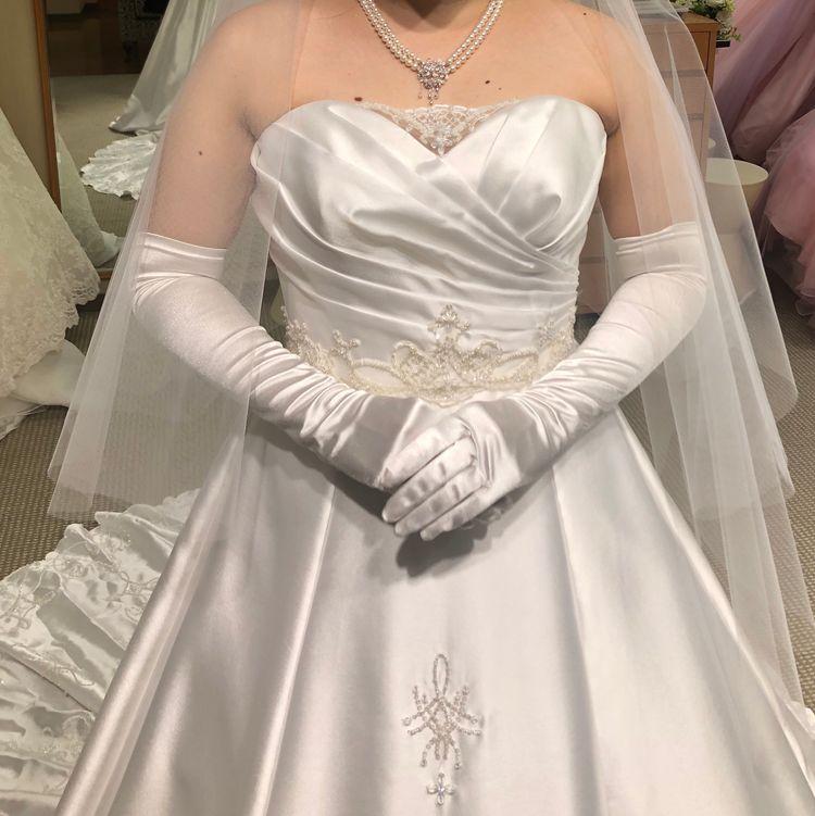細かなデザインが可愛いドレス