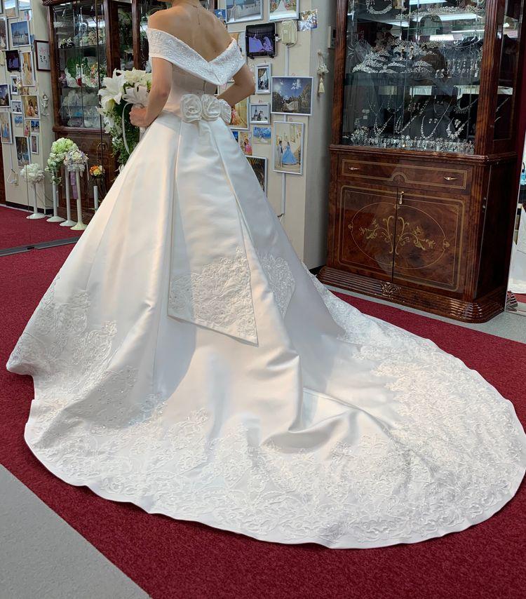 憧れのロールカラー ドレス